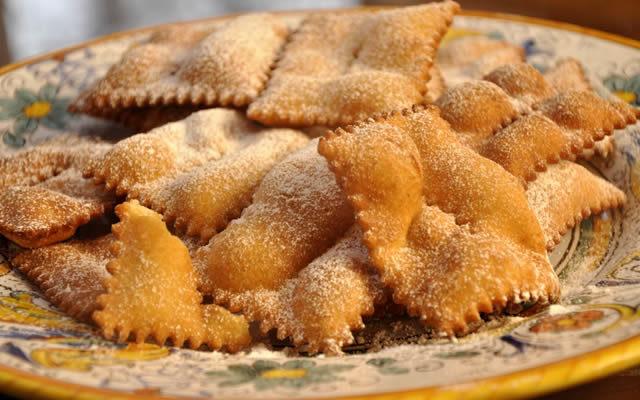 ricetta chiacchiere di carnevale- cucina napoletana - napoli da vivere - Cucina Napoletana Ricette