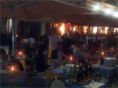 un ristorante in riva al mare antonio antonio in via