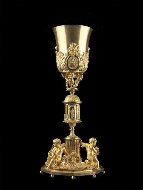 Calice-con-custodia-e-patena_-1849_-Oro-zecchino_-Manifattura-Romana-Pier-Fortunato-Castellani_-Dono-di-papa-Pio-IX_-Napoli-Museo-del-Tesoro-di-San-Gennaro