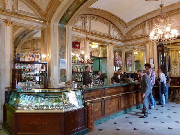 Gran caff gambrinus il bar pi bello di napoli secondo i for Best coffee in milan