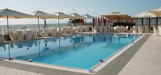 Kanathè piscina a Bacoli
