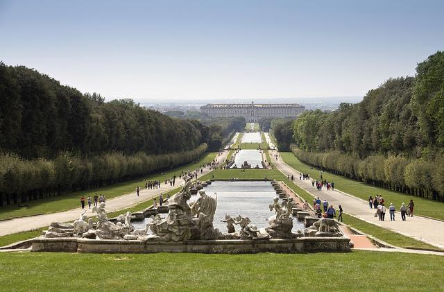 Le reali dimore borboniche parte 1 guida napoli da - Reggia di caserta giardini ...