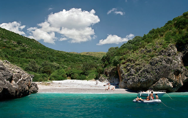 cala bianca spiaggia più bella in italia
