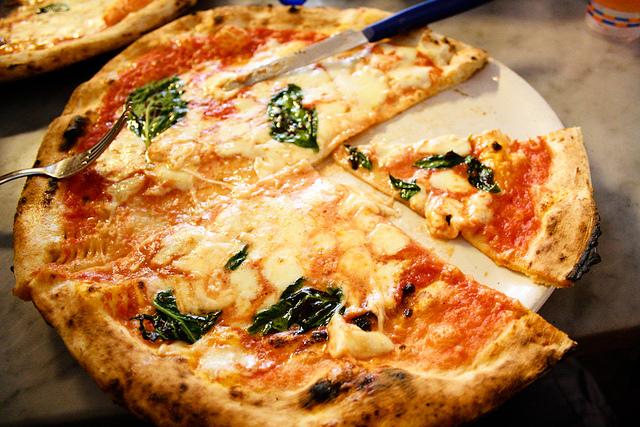 La pizza di Sorbillo.