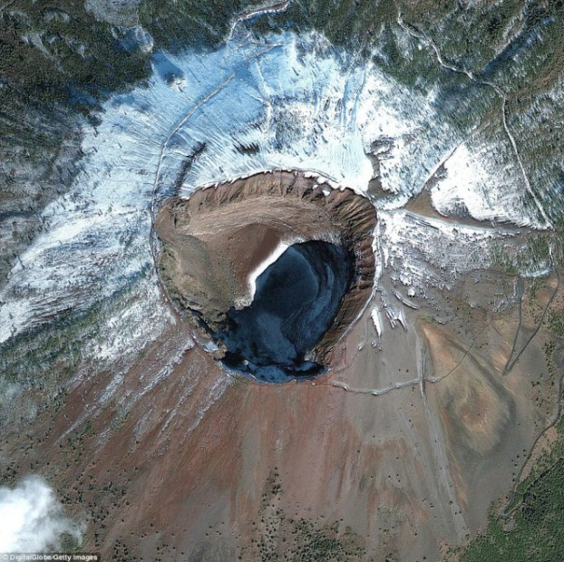 vesuvio satellite neve