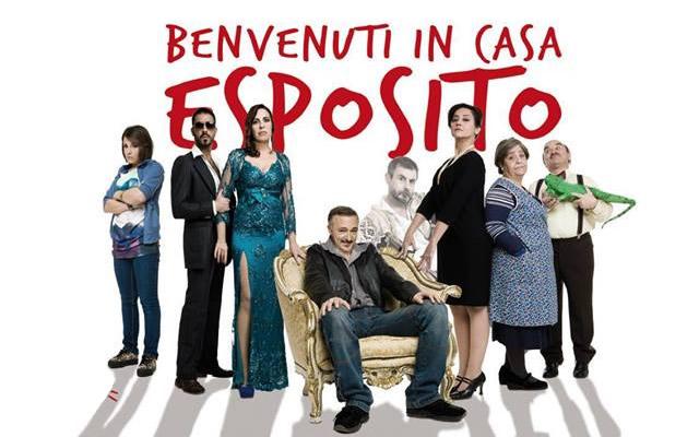 http://www.napolidavivere.it/wp-content/uploads/2014/02/benventuti-in-casa-esposito-augusteo-2014.jpg