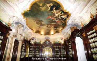 La Commedia dell'arte in chiese e monumenti del Centro di Napoli