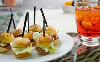Pagnottella AperiStreet: l'aperitivo per le strade del centro di Napoli