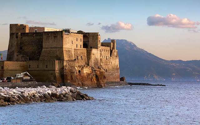 Palazzi e opere dei Borbone in mostra a Castel dell'Ovo