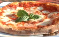 """Grande successo della Pizza """"sospesa"""" per i senzatetto"""