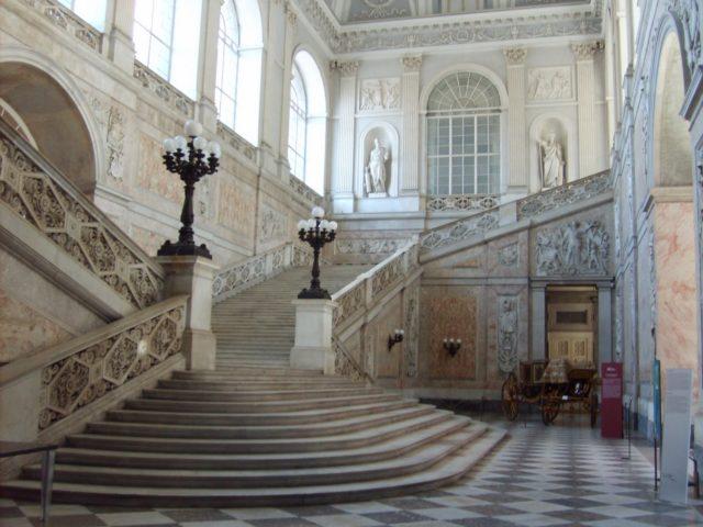 scalone palazzo reale