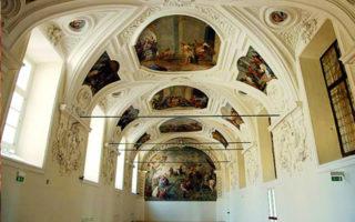 Spettacolo teatrale nel Chiostro di San Domenico Maggiore