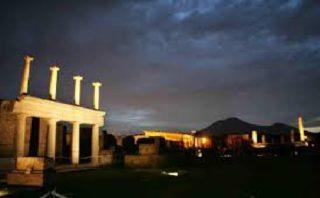 Pompei emozione notturna: Visite serali agli Scavi di Pompei