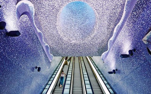 il soffitto della stazione di toledo napoli