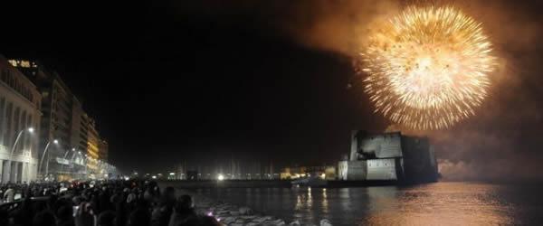 fuochi d'artificio lungomare di napoli festa di piedigrotta 2015