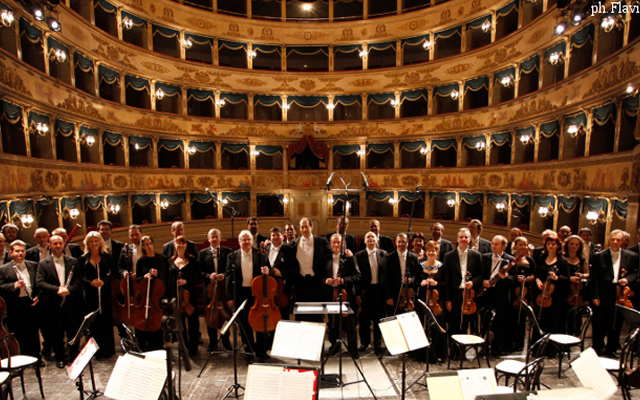 L'Orchestra del San Carlo in concerto gratuito al Duomo ai Napoli