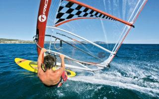 Lezioni di Windsurf e Kitesurf nel golfo di Napoli