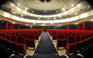 KomiKamente: Cabaret al Teatro Diana di Napoli
