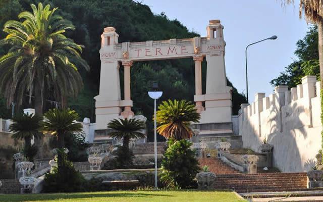 Dicembre-2015-alle-Terme-di-Agnano-musica-teatro-e-mercatini.jpg