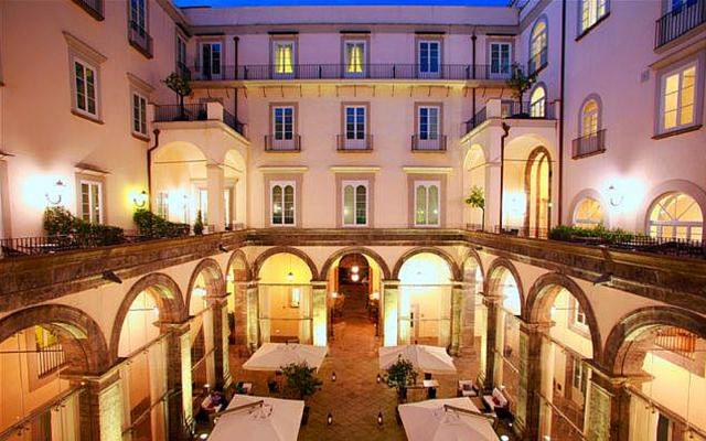 Weekend Napoli Hotel