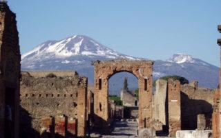 Giornata della Guida Turistica 2016: Visite guidate gratis a Napoli e in Campania