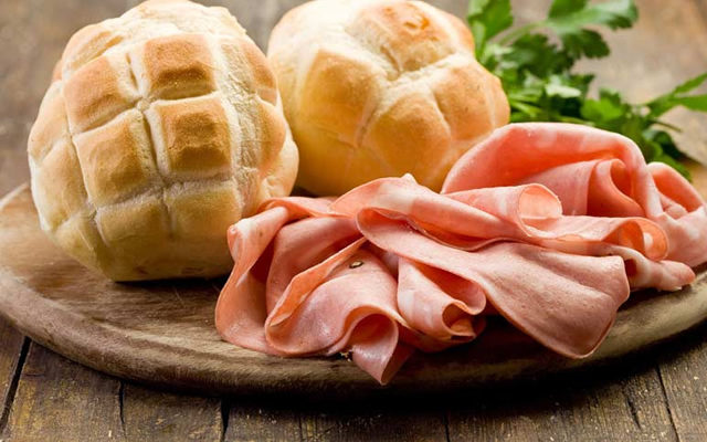 I Love Murtadell il primo Street Food di sola Mortadella a Napoli
