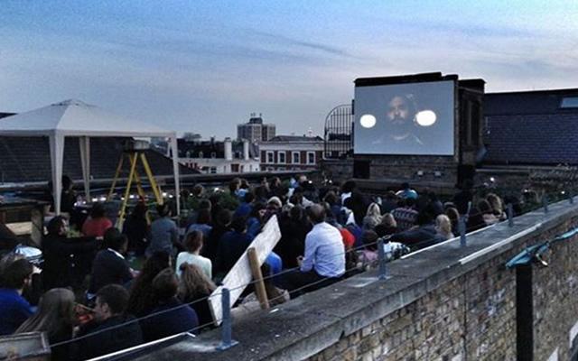 Cinema sulla Terrazza dell'Asilo Filangieri nel centro storico di Napoli