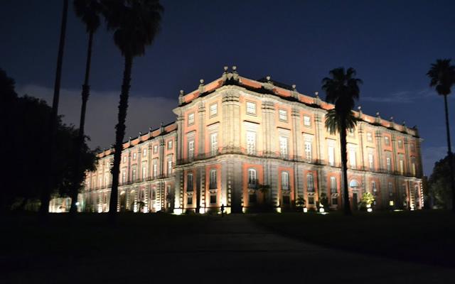 Risultati immagini per museo capodimonte di sera