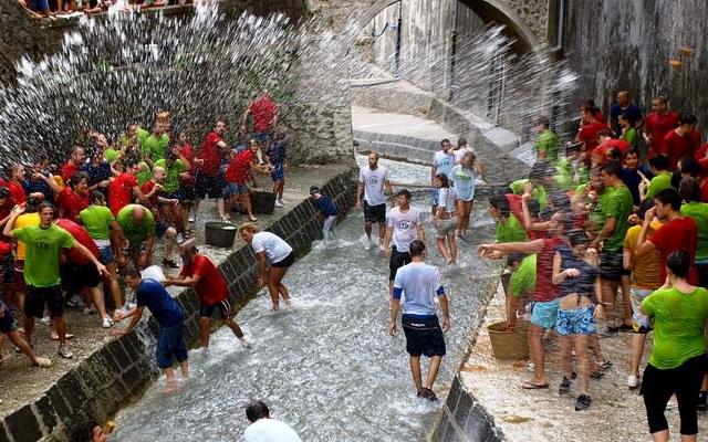 A chiena 2016- la grande festa dell'Acqua a Campagna (SA)