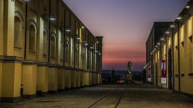 Il museo di Pietrarsa di notte