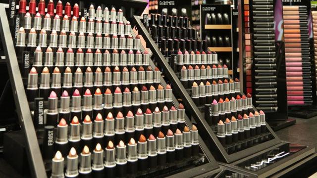 Mac-Cosmetics-apre-alla-Stazione-Centrale-di-Napoli.jpg