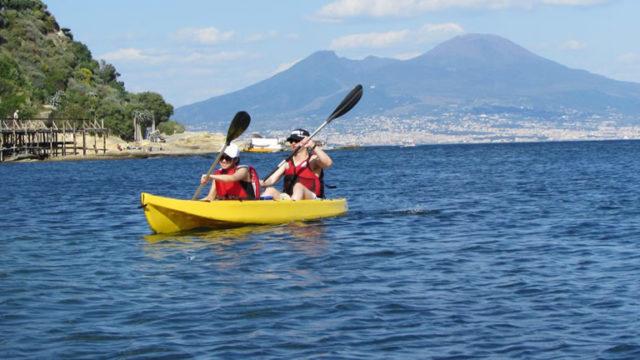 In-Kayak-alla-scoperta-delle-Ville-di-Posillipo.jpg