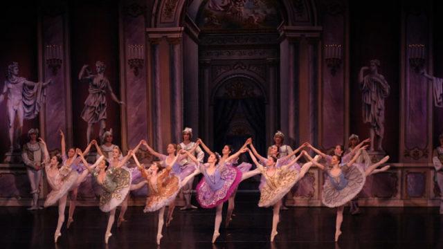Il-Lago-dei-Cigni-al-Teatro-Bellini-di-Napoli-con-il-Royal-Ballet-Of-Moscow.jpg
