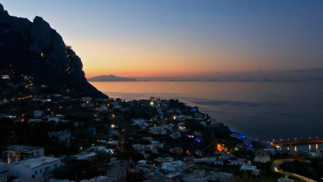 Traghetti-Notturni-Napoli-Capri.jpg