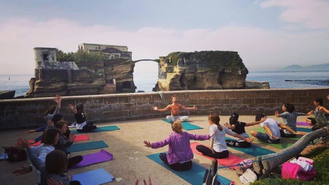 YoGaiola-incontri-di-Yoga-nel-paradiso-della-Gaiola-a-Napoli.jpg