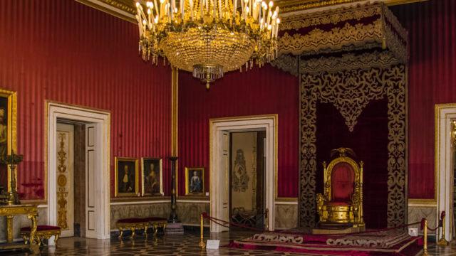 Palazzo Reale di Napoli: riapre la Sala del Trono - Napoli da Vivere