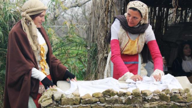 Sagra-delle-Antiche-Taverne-a-Licola-con-300-figuranti-in-costume.jpg