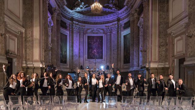 Il coro della Città di Napoli al completo