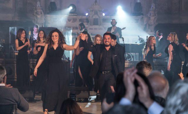 Il coro del That's Napoli Live Show in scena