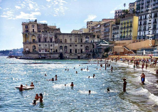Il mare di Posillipo a Napoli