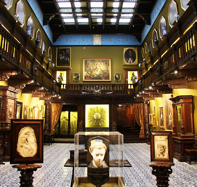 La sala principale del Museo Filangieri di Napoli