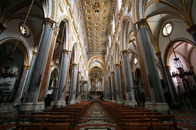 La basilica di San Domenico Maggiore a Napoli