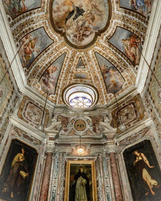 Gli affreschi della basilica di San Domenico Maggiore a Napoli