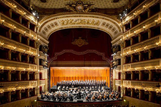 L'Orchestra del Teatro di San Carlo a Napoli