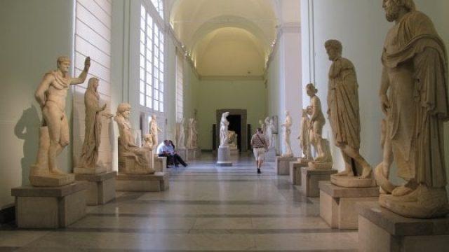 Una stanza del museo nazionale di Napoli