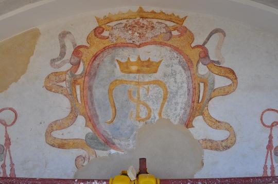 lo stemma della chiesa di Santa Maria del Parto a Mergellina