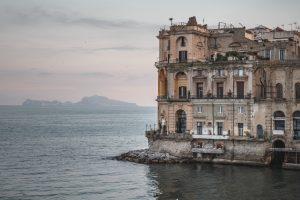Palazzo donn'anna Napoli