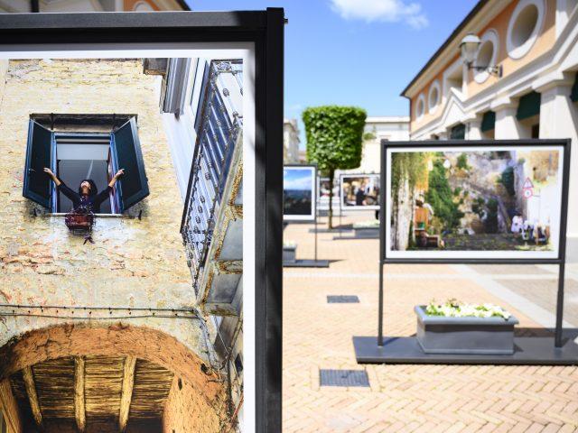 Mostra fotografica #NapoliViva a La Reggia Designer Outlet