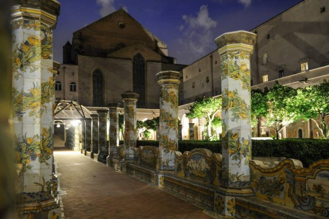 Chiostro di Santa Chiara di Notte