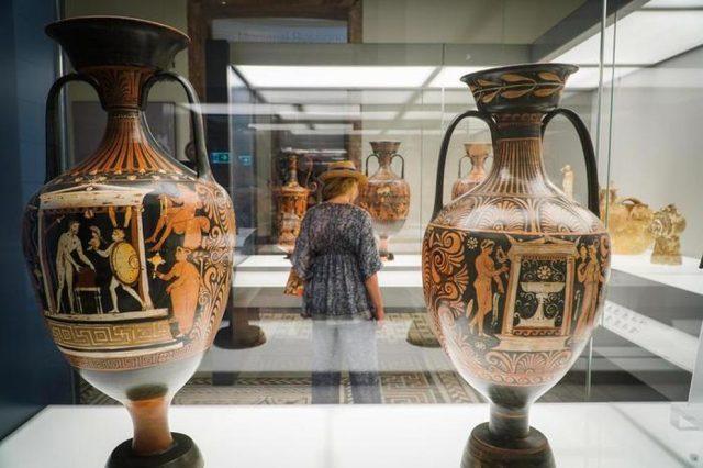i vasi dei tempi greci